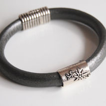 Men's Grey  Licorice Leather Bracelets - leather Bracelets- - Me