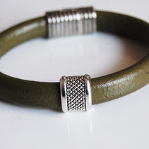 Men's Olive Green Licorice Leather Bracelets - leather Bracelets