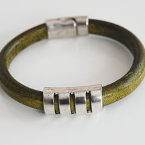 Men's Olive Green  Licorice Leather Bracelets - leather Bracelet
