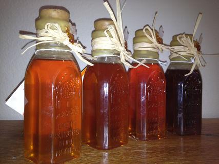 8 oz Sacramento Valley Honey in Muth Jars