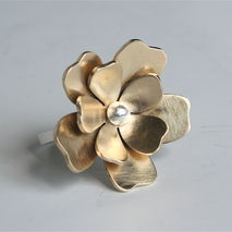 Pretty Brass and Silver Big Flower Ring