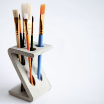 Z-STAND BRUSH HOLDER