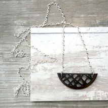 MODERN CRESCENT NECKLACE