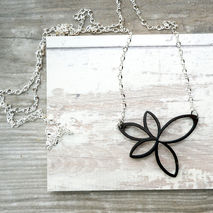 LASER CUT FLOWER NECKLACE