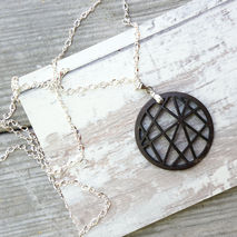 COCONUT SPHERE NECKLACE