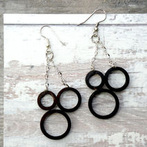 INTERCONNECTED HOOP EARRINGS