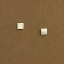 Box simple stud